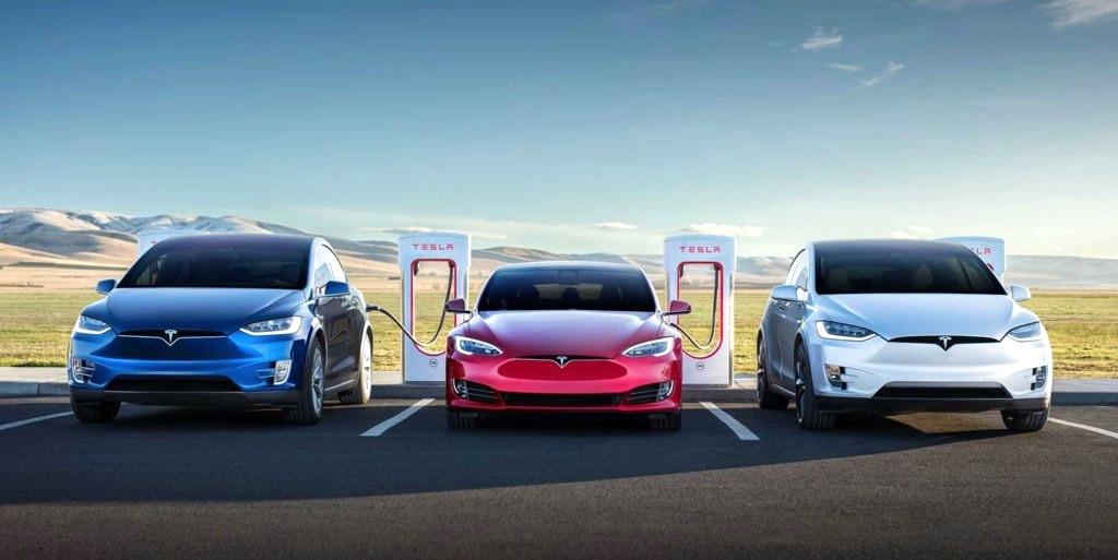 tesla model S modele X model 3 à borne de recharge Tesla