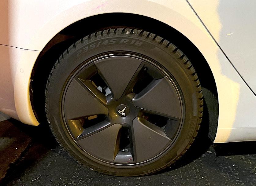 quel pneu neige ou chaine neige et chaussette pour hiver Tesla