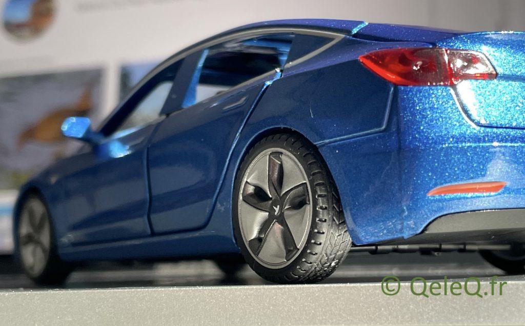 pneu modele reduit tesla model 3