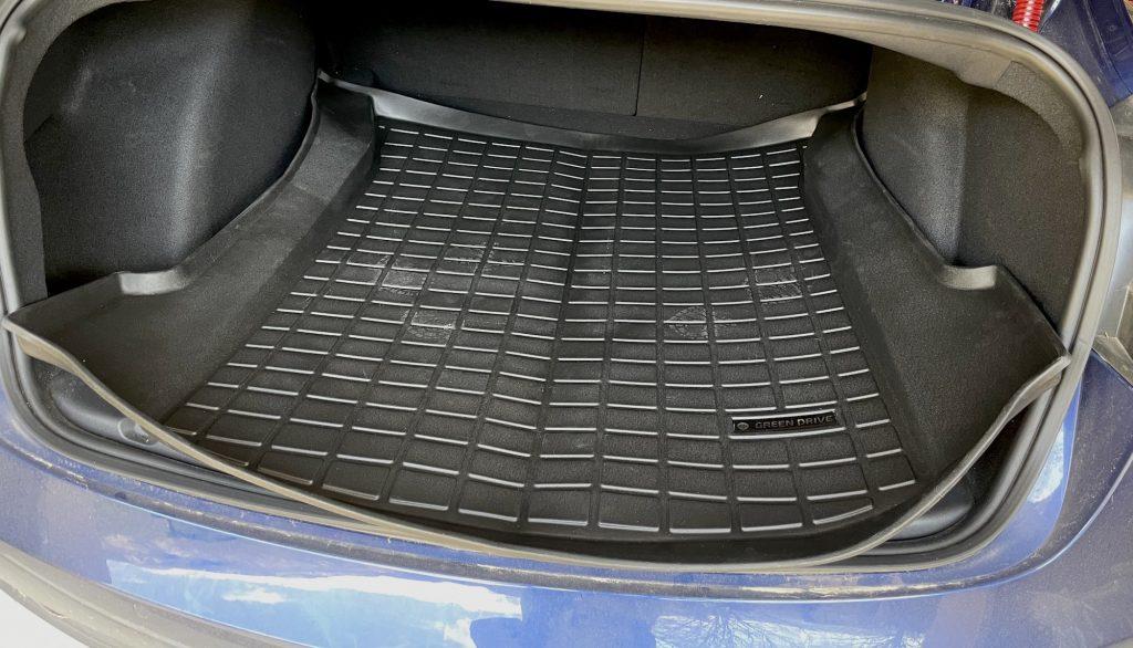 mise en place tapis pour coffre tesla m3 green-drive