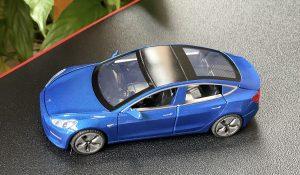 Tesla Model 3 miniature Aliexpress